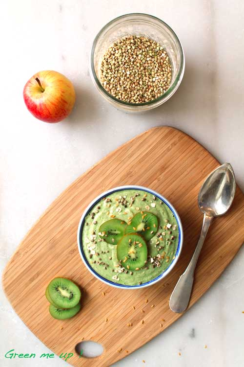 green-breakfast-bowl-smoothie-vert-porridge